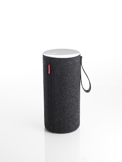 Libratone Zipp Pepper Black 03 HighRes